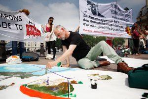 Stop Fuelling War - awareness-raising event in central Paris