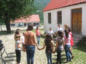 Balkans Peace Park junior class [Source: https://balkanspeaceparkdotorg.wordpress.com/pictures-info/#jp-carousel-867]
